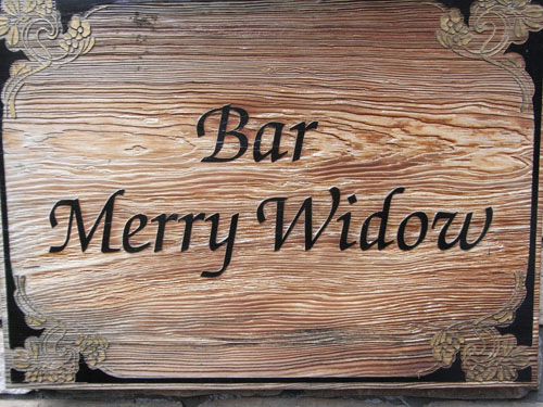 Bar Merry Widow